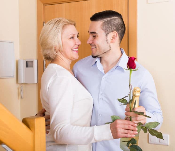 Beziehung mit einem jüngeren Mann